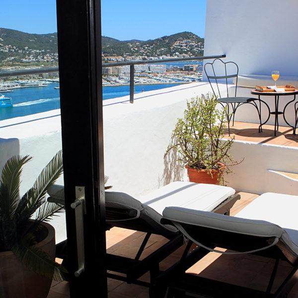 Terraza Habitación Hotel Torre del Canónigo Ibiza